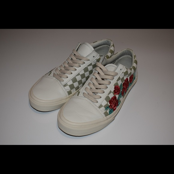 97c17a2970102e Vans Old Skool DX (Rose Embroidery). M 5ae599c86bf5a6c10c704519